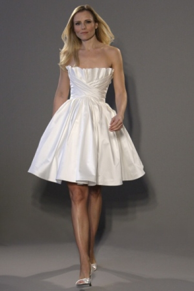 Elegant-romona-keveza-short-wedding-dress