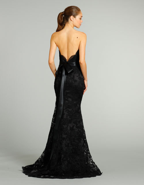black-lace-mermaid-wedding-dress-with-open-back.