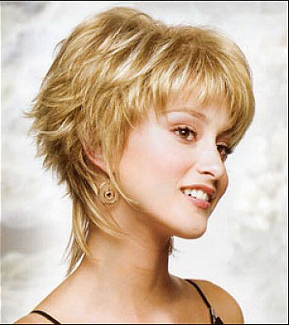 short-medium-layered-hairstyles