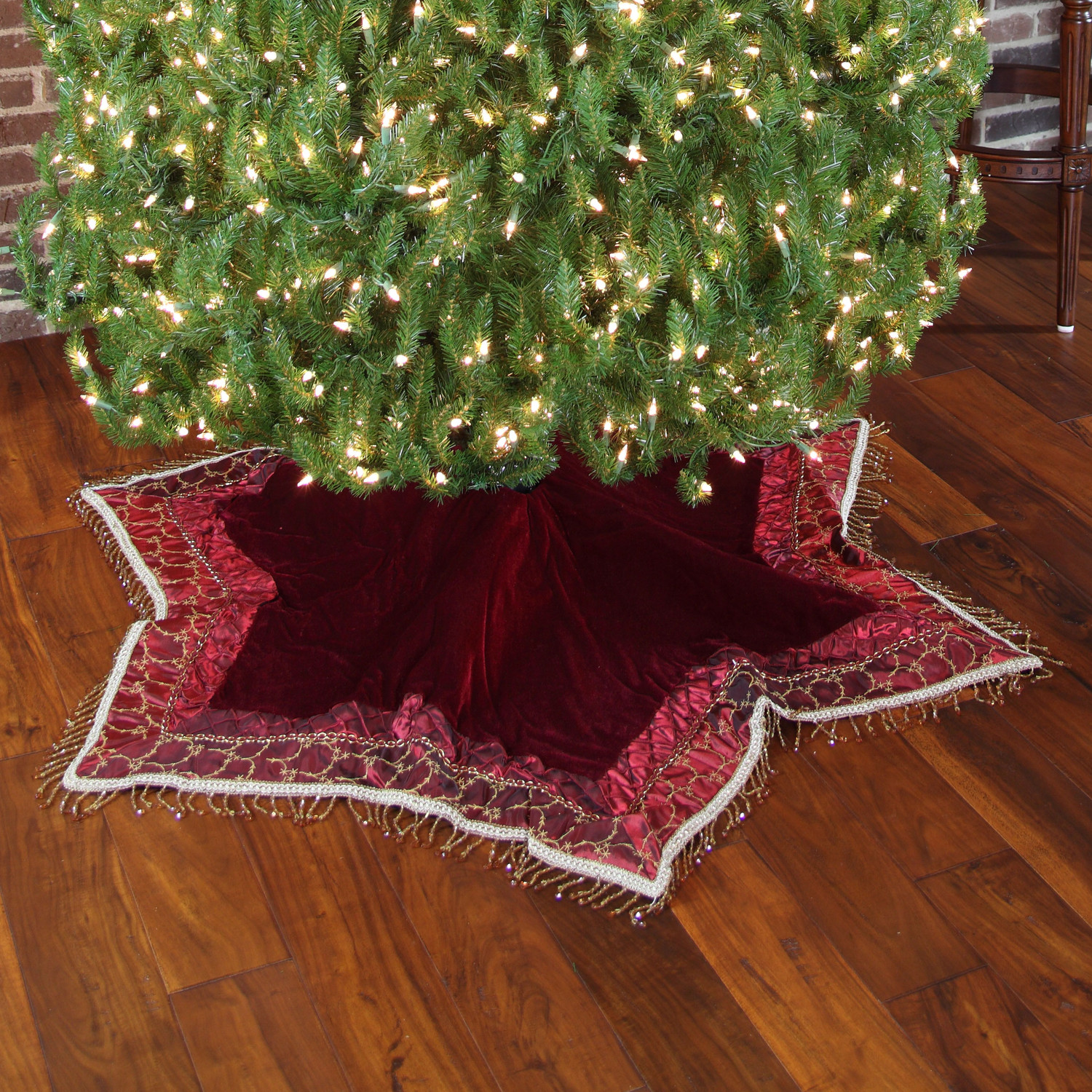 Burgundy-Tassle-Christmas-Tree-Skirt-