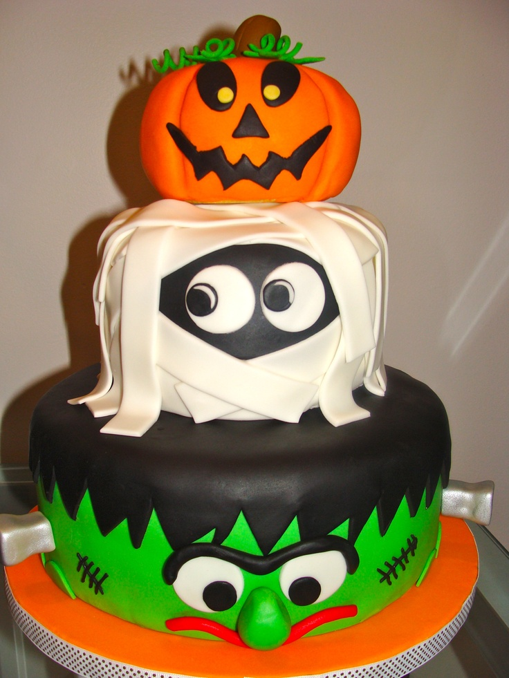 cant get a better cake than these for the halloween night godfather style. Black Bedroom Furniture Sets. Home Design Ideas