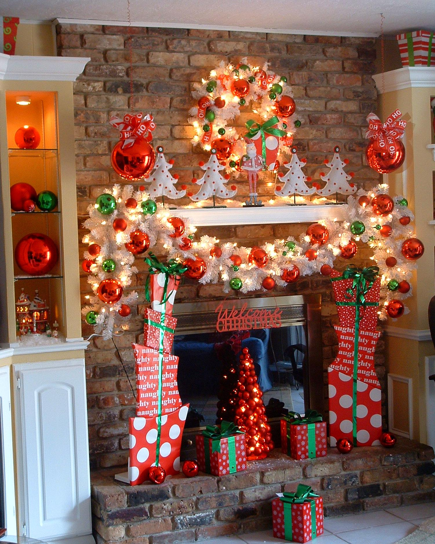 Add fire to the fireplace area with mesmerizing decoration for Christmas house decorations