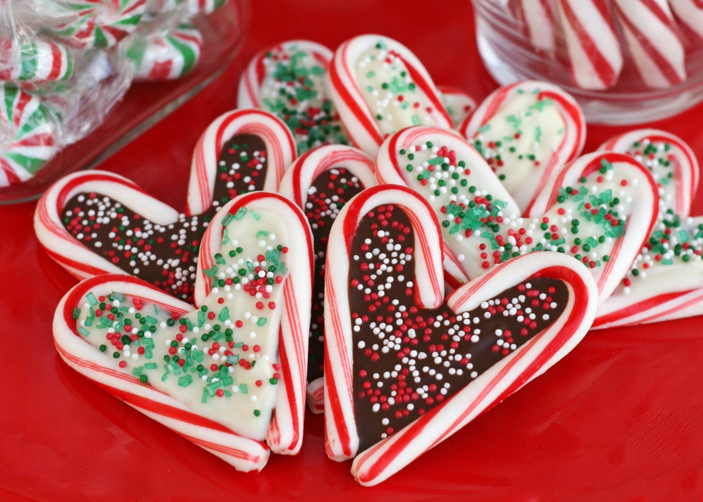 candy-cane-edible-art-christmas-crafts-kids
