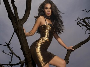 MESMERIZING GOLD DRESS FOR ALL YOU PARTY ANIMALS….