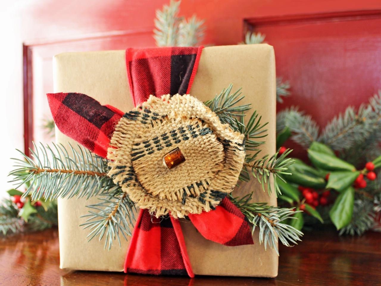 original_Camille-Smith-rustic-plaid-gift-wrap2