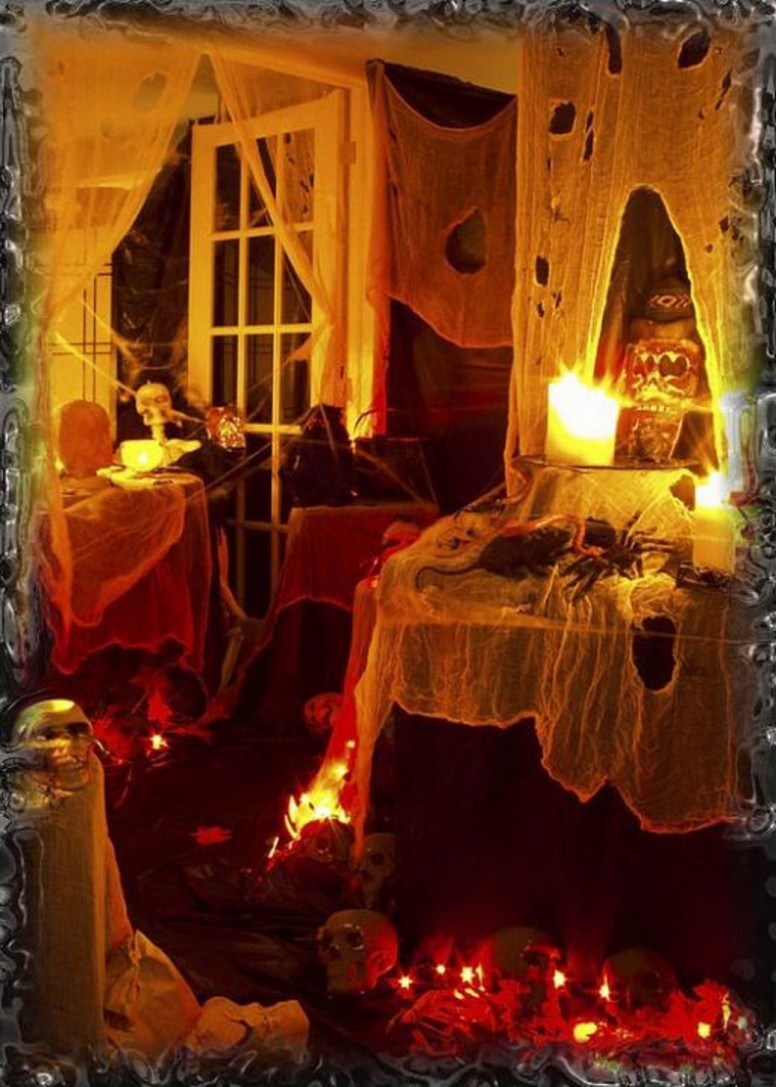 Spooky outdoor decorations for the halloween night for Indoor light decoration ideas