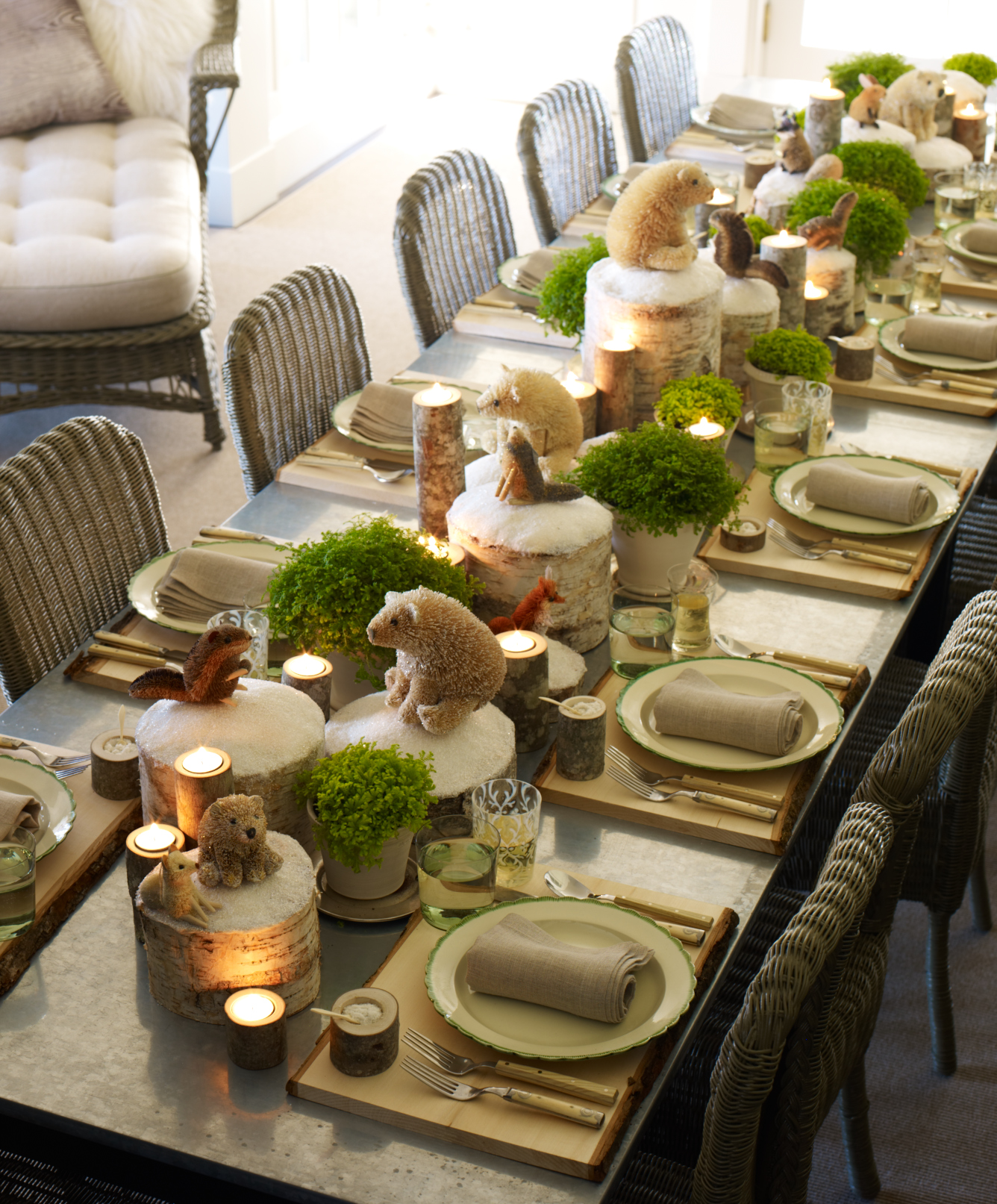 20 most amazing christmas table decorations for Table design ideas