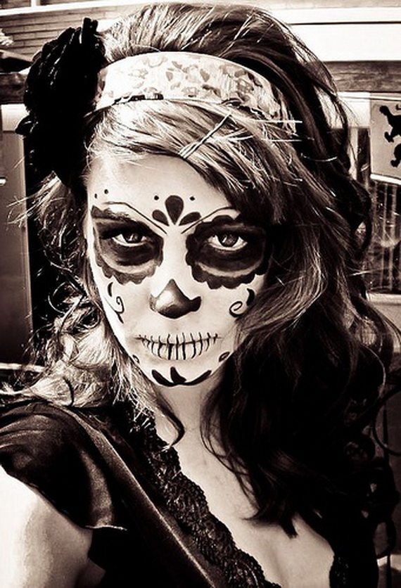 -smush-50Halloween-Best-Calaveras-Makeup-Sugar-Skull-Ideas-for-Women_38