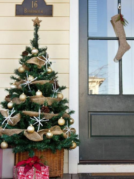 10-tree-porch-decor