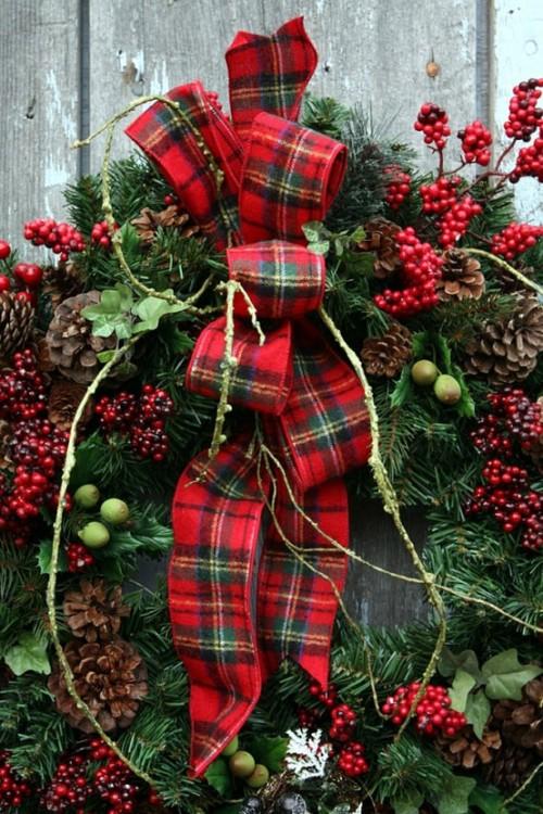 A-Tartan-Wreath-