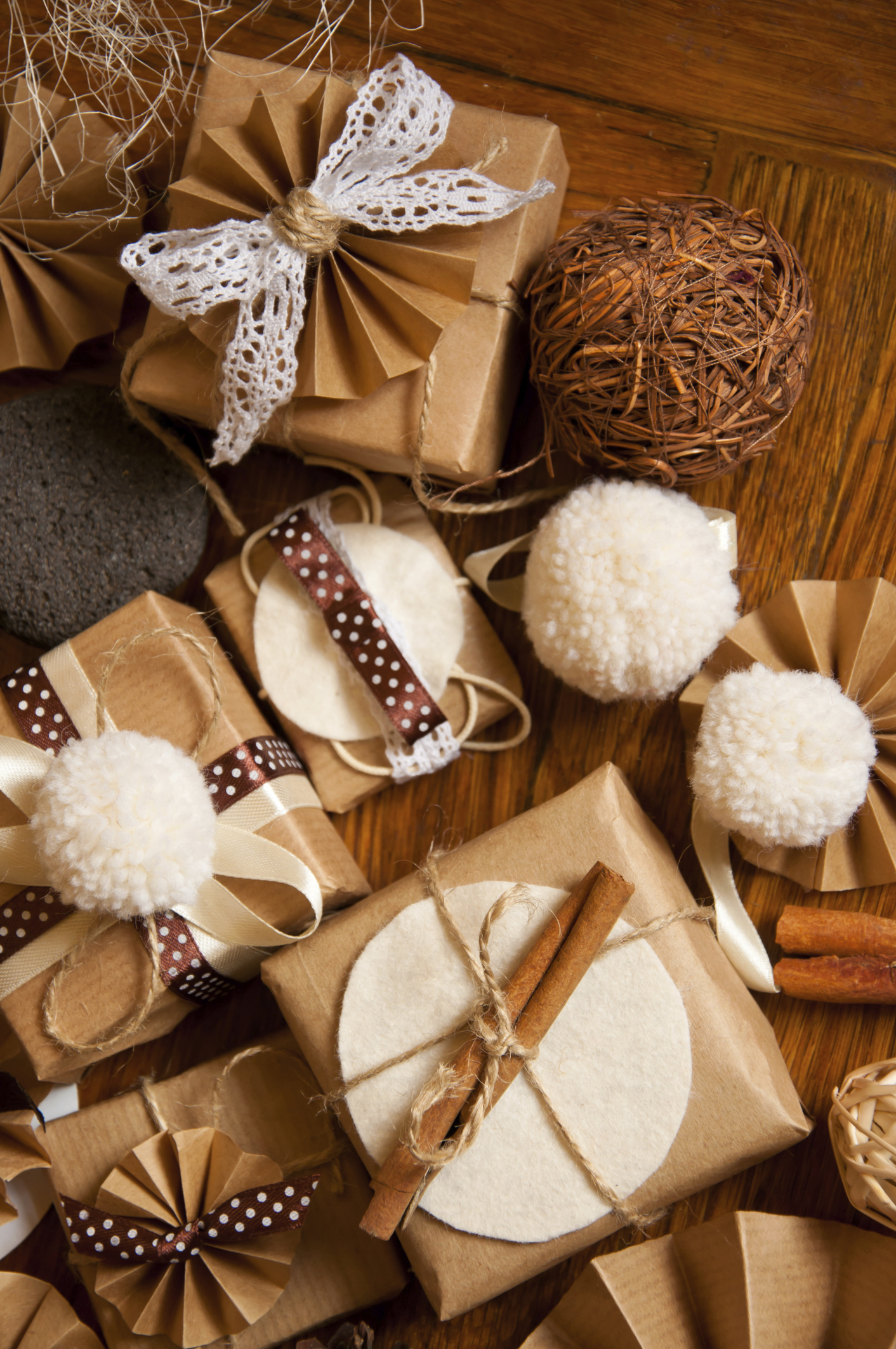 26 Beautiful Christmas Wrapping Ideas With These Attractive Papers Godfather Style
