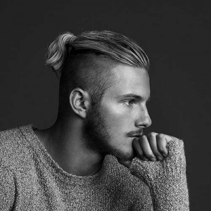 30 SEXY BUN HAIRSTYLES FOR MEN