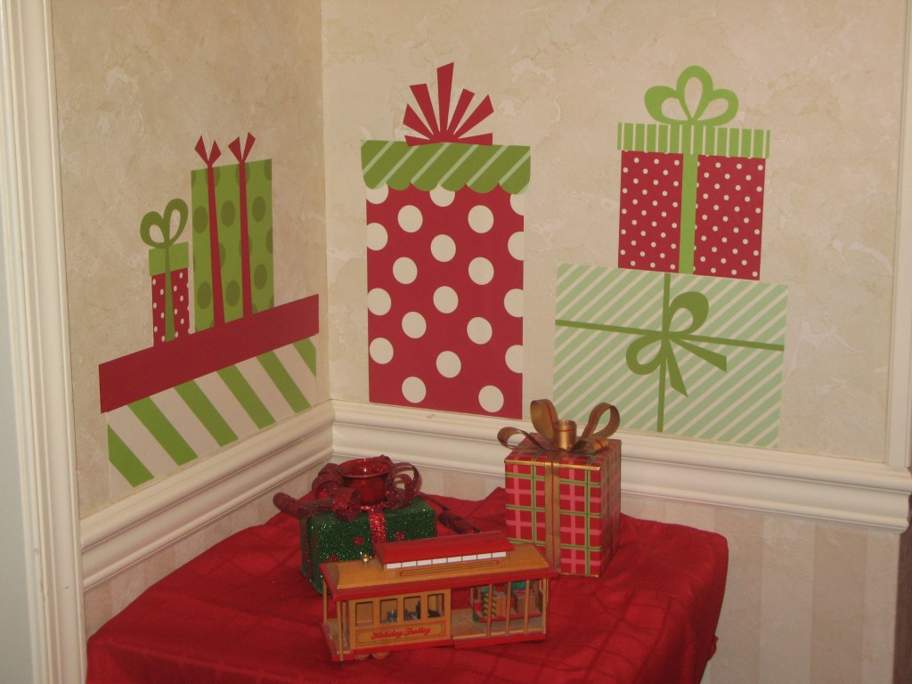 Christmas Wall Decor Diy : Cheap christmas decorations that fits in your budjet