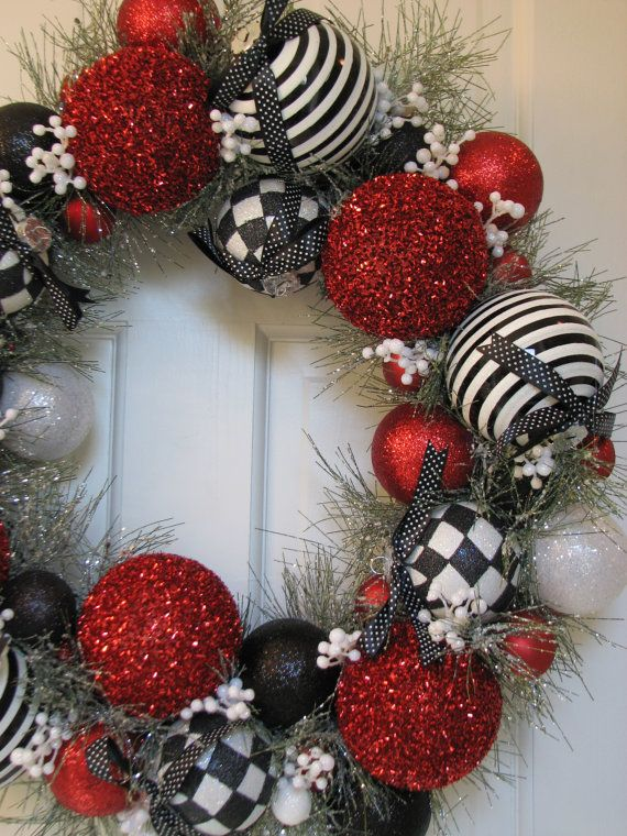 white & black christmas decor