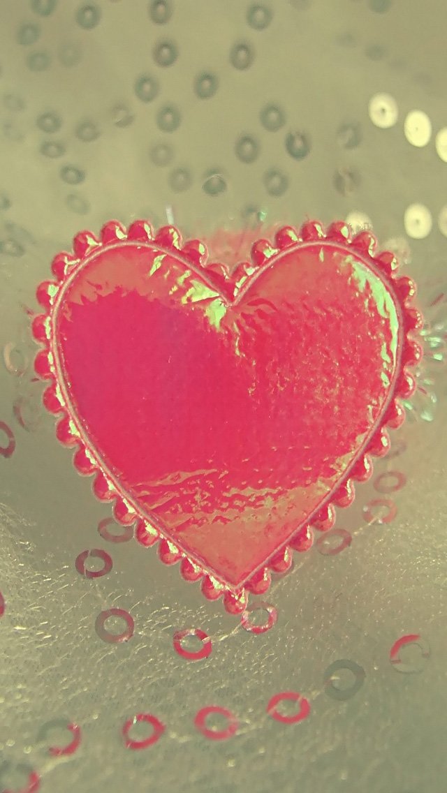 Free-Download-Valentines-Day-Love-Heart-HD-Wallpapers-for-iPhone