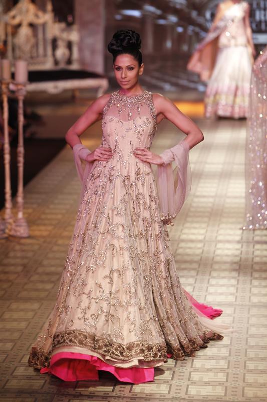designer-manish-malhotra-latest-collection