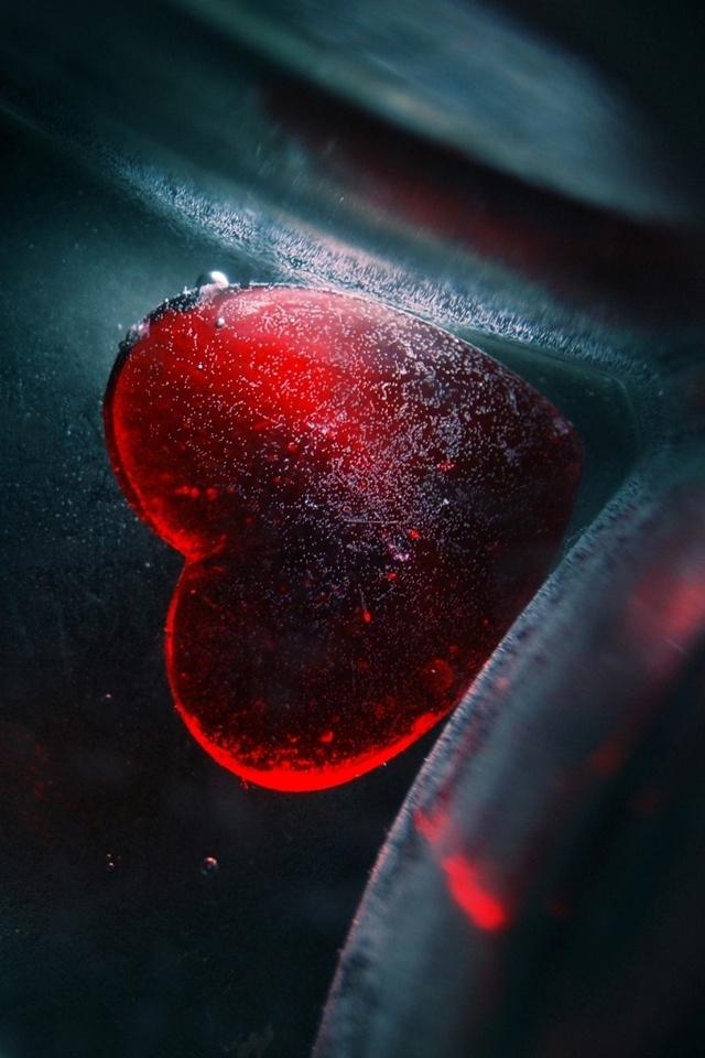 love-heart-iphone-hd-wallpaper