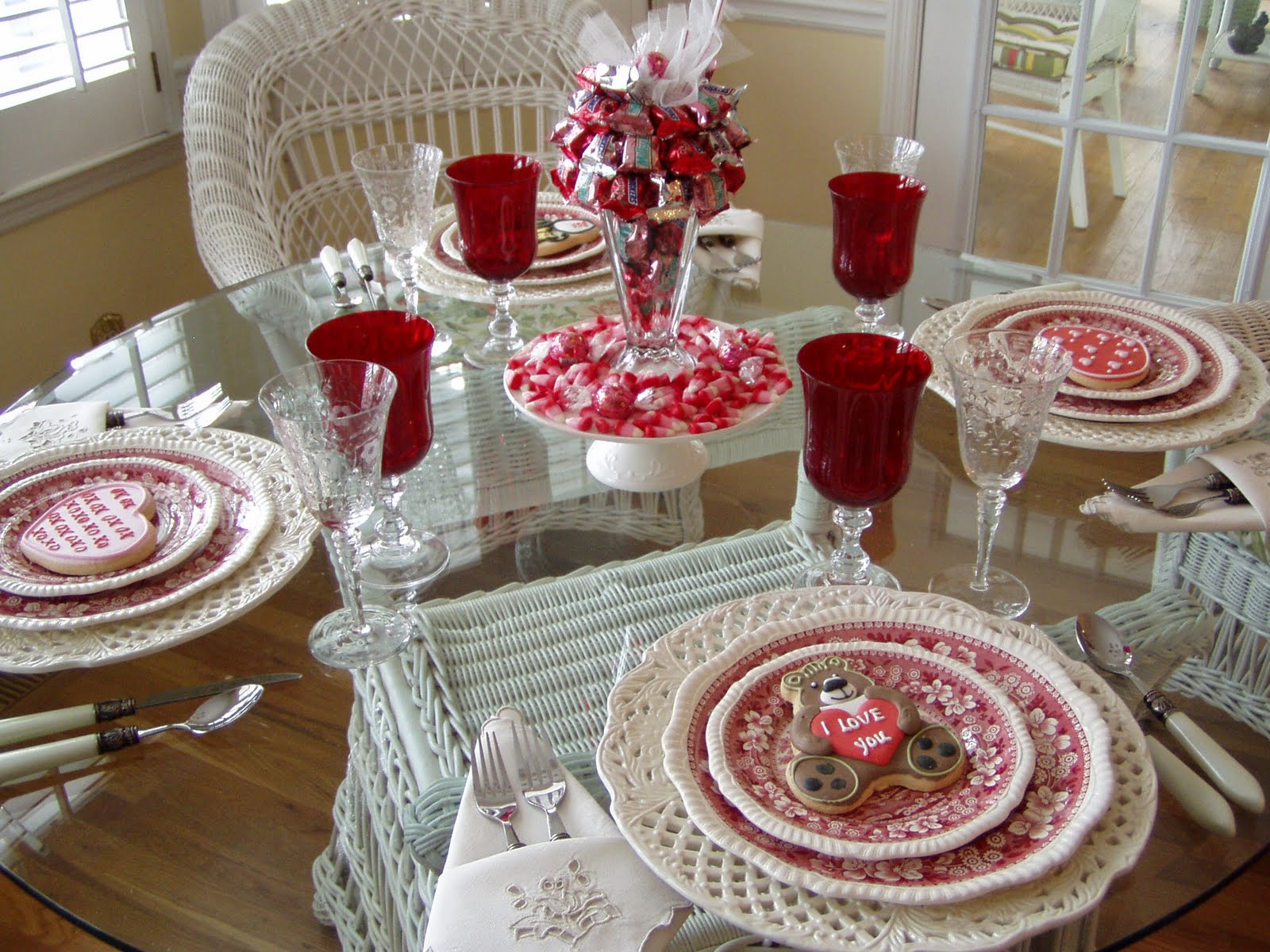 valentine-table-decorations