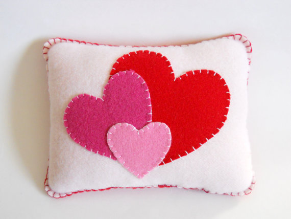 valentines-day-pillow-from-etsy-the-pineapple-