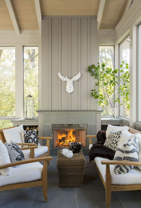 farmhouse-sunrooms-you-will-never-want-to-leave-16.