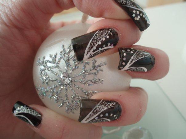 nail-art-designs-black-nails-white-gray-decorations-