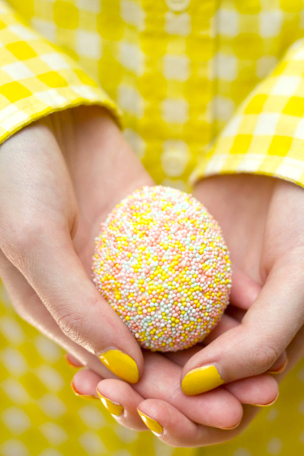 Sprinkle-Easter-Egg-DIY.