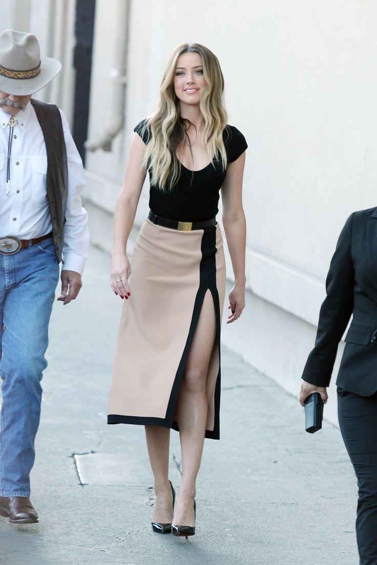 Stylish-High-Slit-Outfits-5