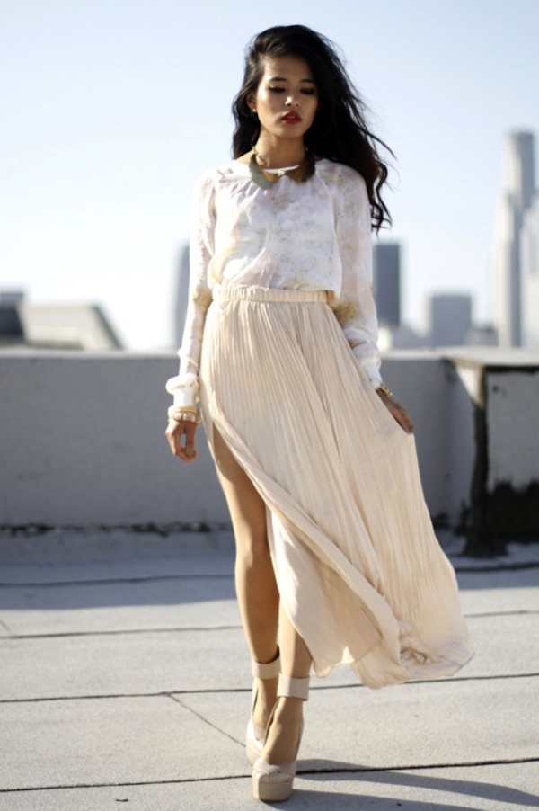 cream-pleated-skirt.