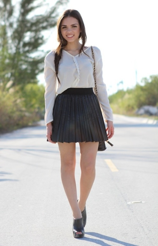 gray-pleated-skirt.