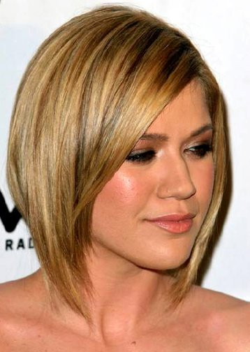 02/07/2006 - Kelly Clarkson - 2006 Clive Davis Pre-GRAMMY Awards Party - Beverly Hilton - Beverly Hills, CA - Keywords:  - Photo Credit: Glenn Harris / Photorazzi - Contact (1-866-551-7827)