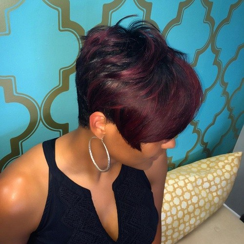 short-black-hairstyle-with-burgundy-balayage.