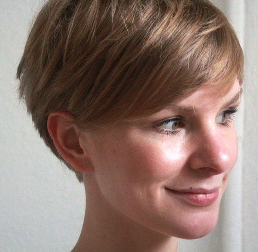 short-layered-wedge-haircut.