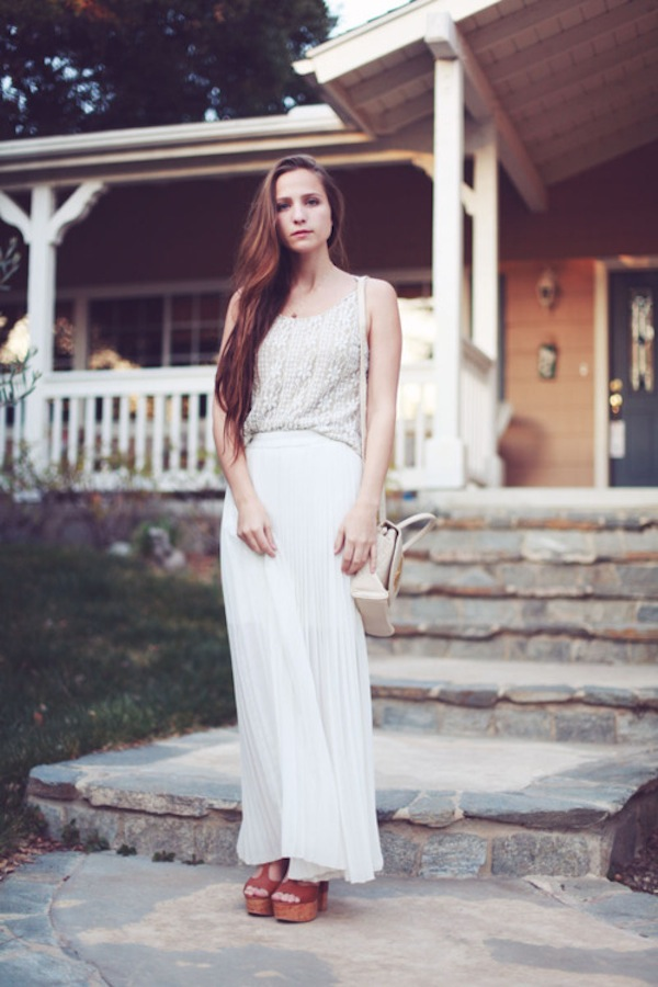 white-pleated-skirt.