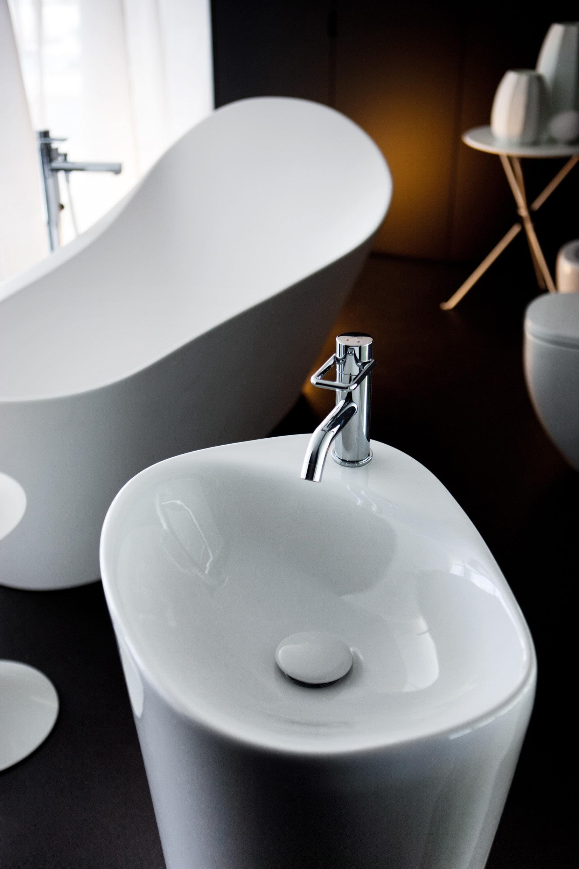 Minimalist-modern-bathroom-sinks.