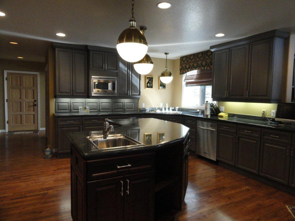 25 traditional dark kitchen cabinets godfather style for Dark paint colors for kitchen