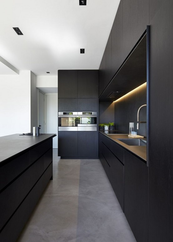 striking-black-kitchens-to-make-a-statement0