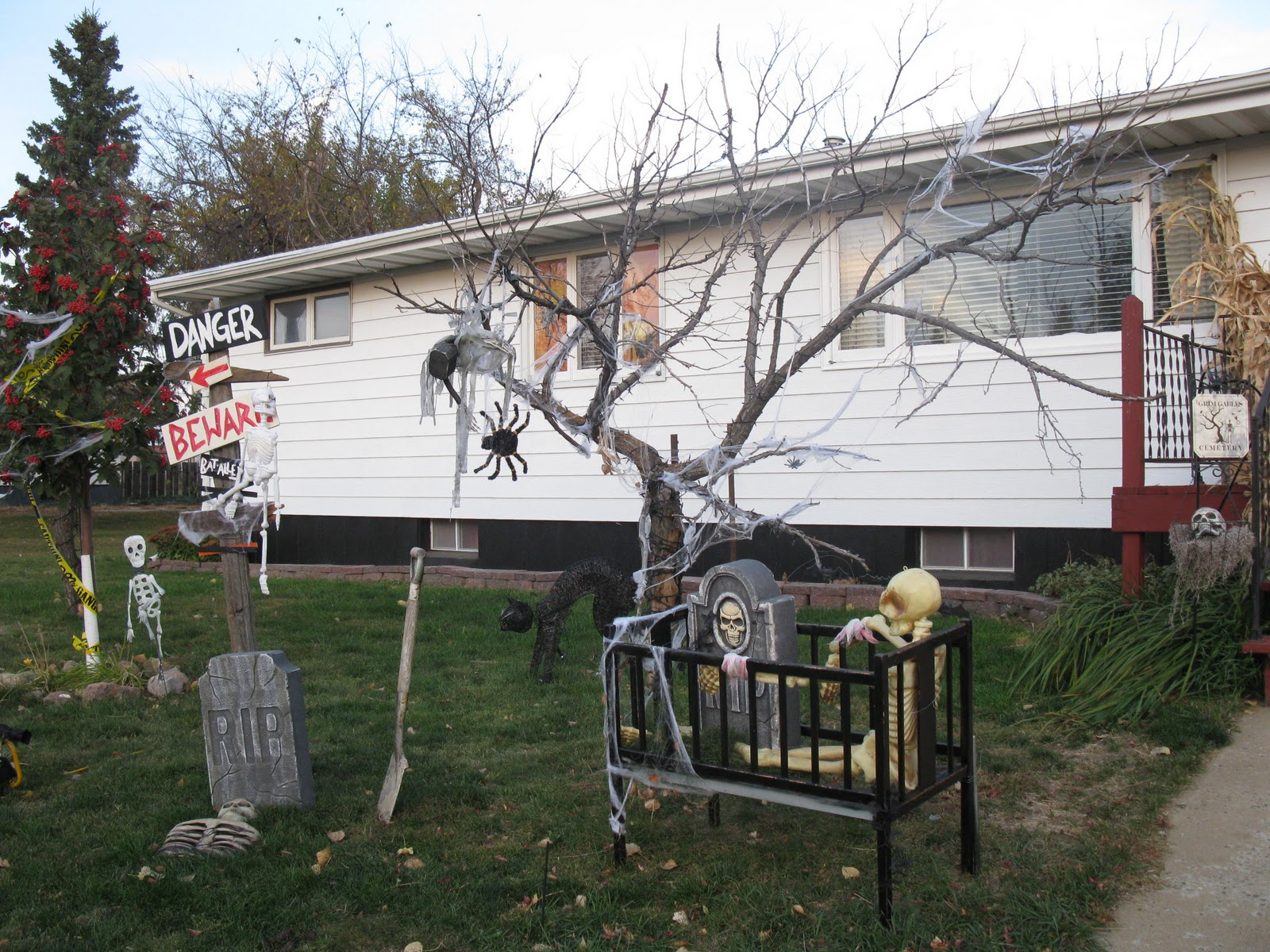 Diy Outdoor Halloween Decorations.
