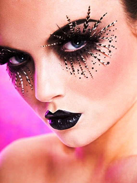 Pretty-Halloween-Makeup-Ideas-25.