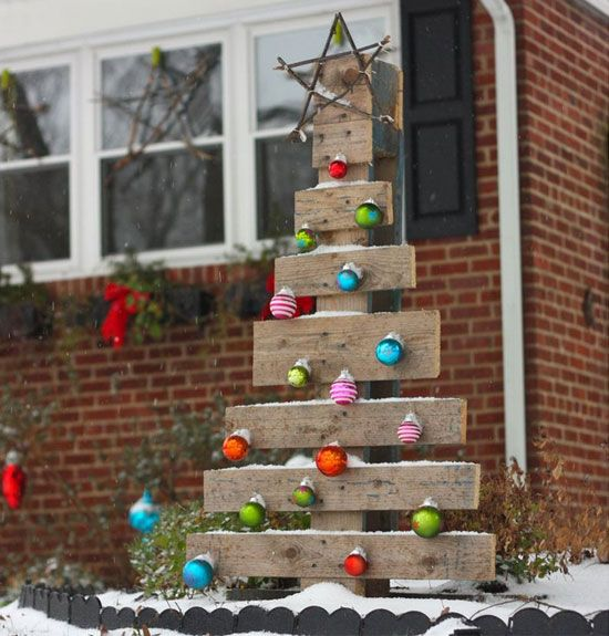 make-a-diy-pallet-tree1