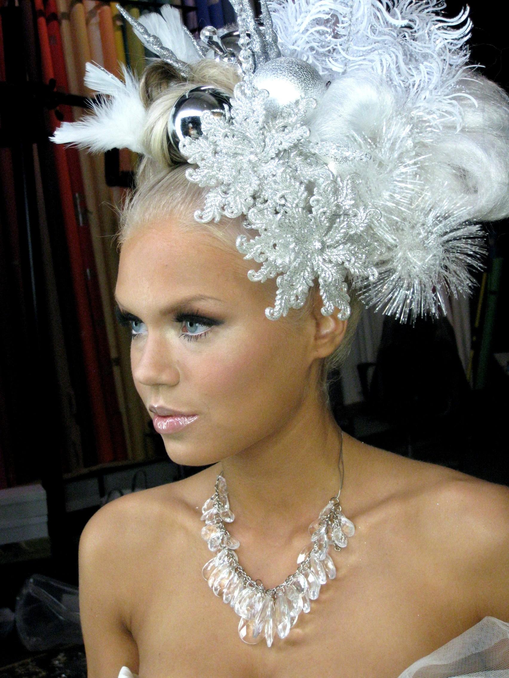 christmas-white-hairstyles