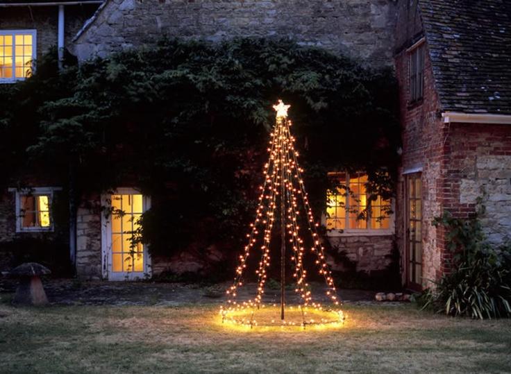 diy-outdoor-christmas-tree-lights
