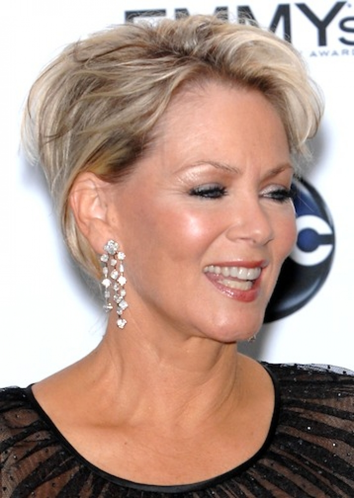 2015-Short-Hairstyles-For-Women-Over-50