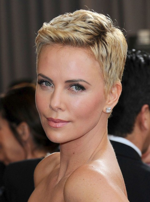 Charlize-Therons-short-hairstyles