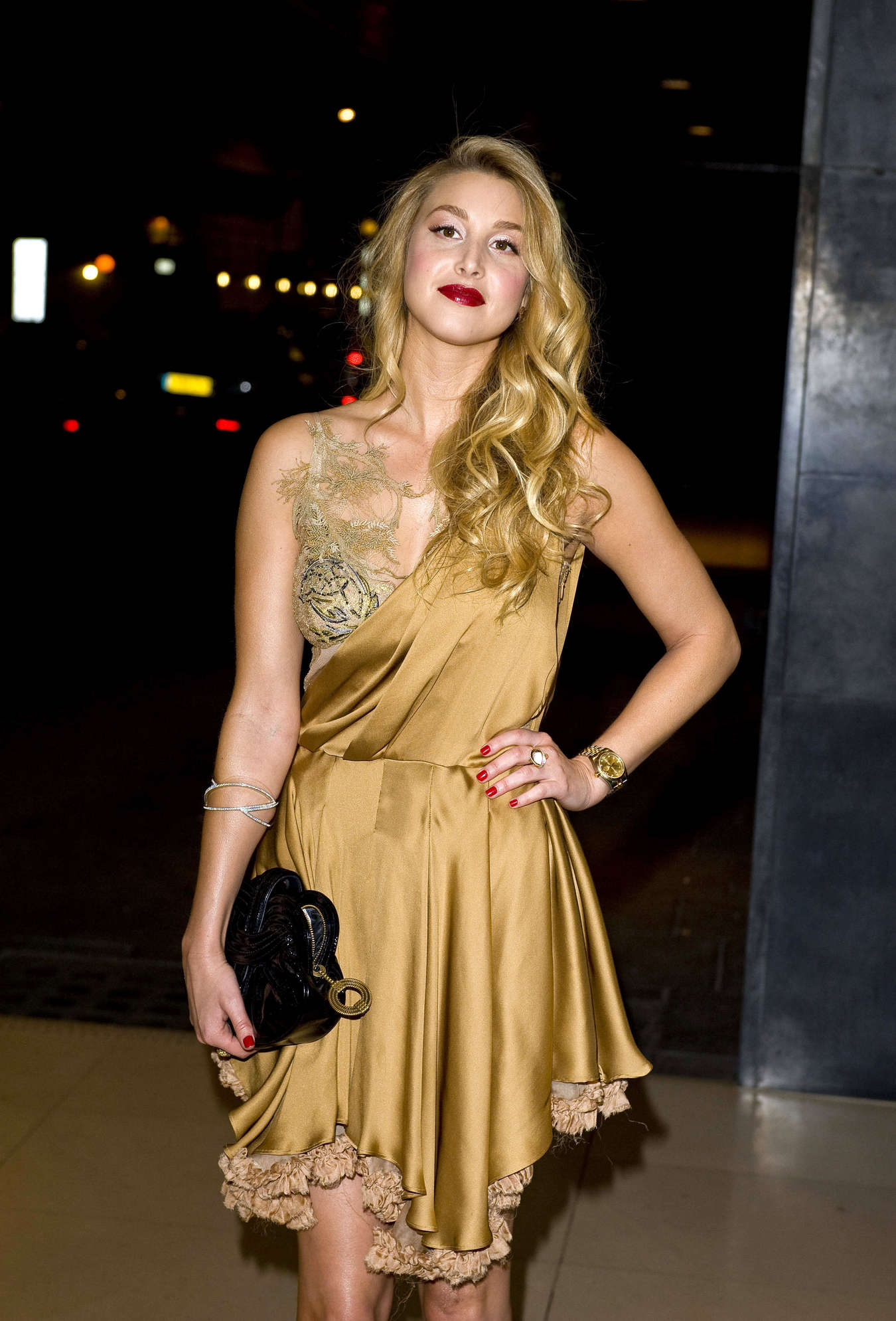 Whitney Port looking hot in gold dress-