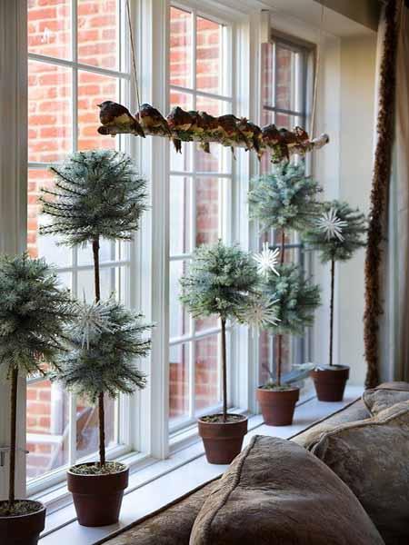 christmas-decorating-ideas-interior-windows-green-holiday-