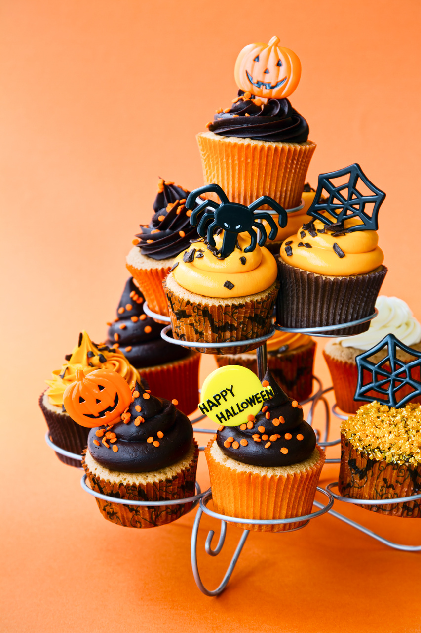 Cupcake stand filled with Halloween cupcakes