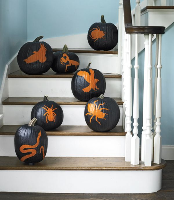 halloween-indoor-decoration-painted-pumpkin-spiders-patterns-eagle-motif-home-stairs