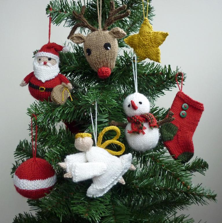 knitted-christmas-ornaments-
