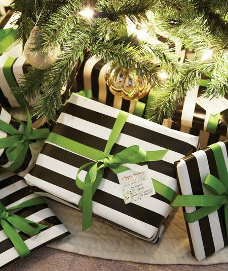 Black-and-White-Christmas-Decor-3