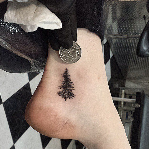 Cute-Small-Tattoo-Designs-for-Women-